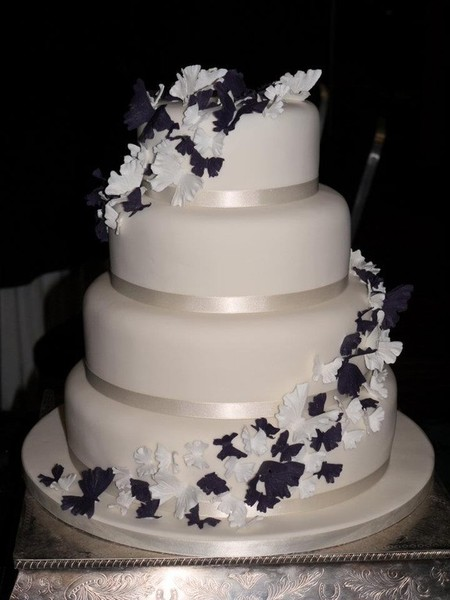 4 tier wedding cake servings shelly s cake creations 10406