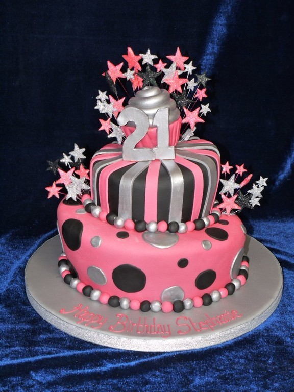 Shellys Cake Creations